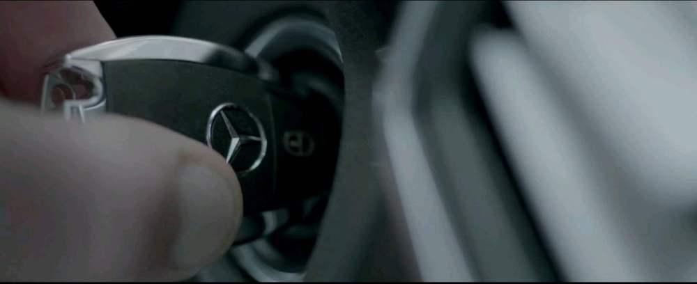 2013-01-10 14_03_30-Mercedes-Benz - The Journey - YouTube - Opera